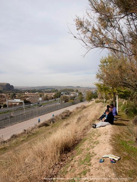 Jornada de apuntes urbanos en el Parque de Miralrío de Rivas Vaciamadrid. Actividad organizada por el taller de apuntes del natural de Prima Littera.