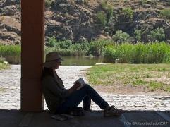 Toledo. Jornada de apuntes al aire libre con el taller de Prima Littera. Senda ecológica del río Tajo entre los punetes de Alcántara y San Martín.