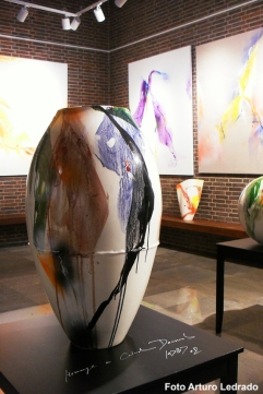 Trazos de luz. Cerámicas y pinturas de Kim En Joong. Espacio O_Lumen, Madrid, 2018.